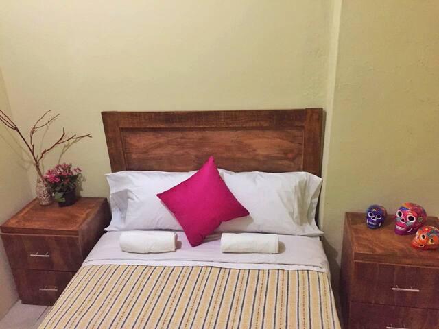 Habitación para 1 ó 2 personas (Habitación No. 6) - Guadalajara - House