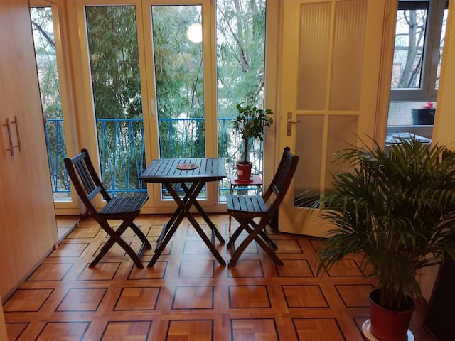Small Apartment Very Clean in Lausanne - โลซาน