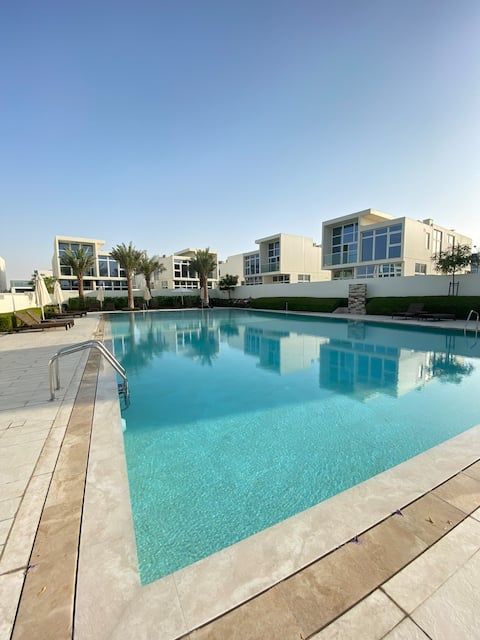 Luxury Townhouse with Services in Akoya Oxygen