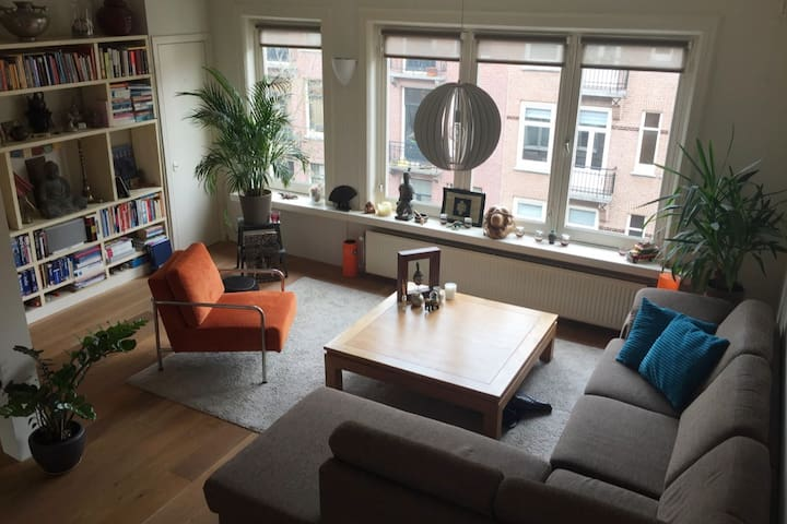 Great apt in central Amsterdam with roof terrace