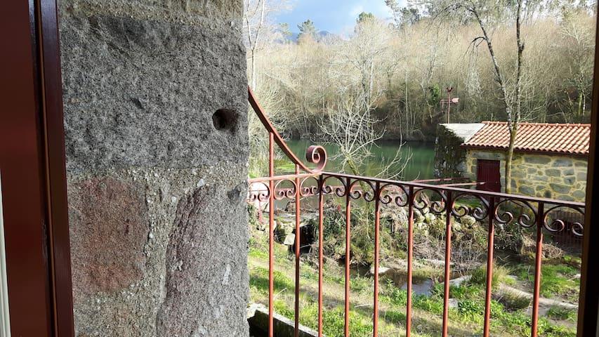 Uma casa sobre o rio - Coucieiro
