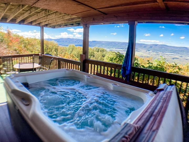 Eagles View Cabin  Hot tub amazing views getaway