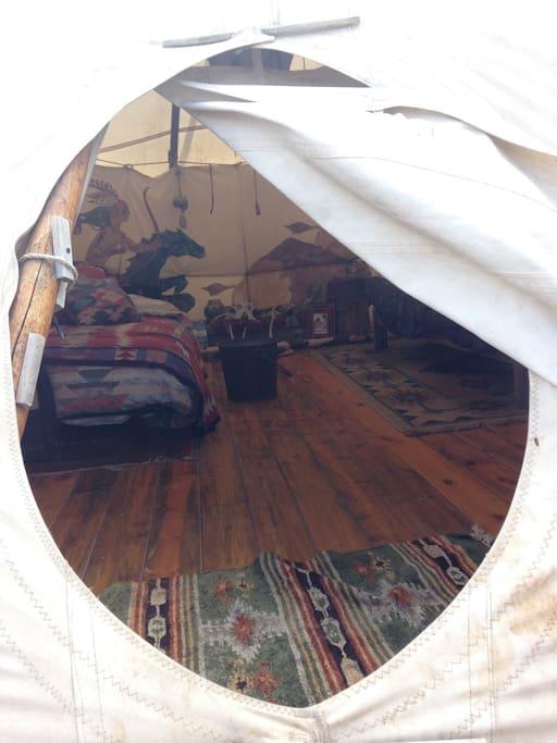 ROOMY!! 18 feet diameter.