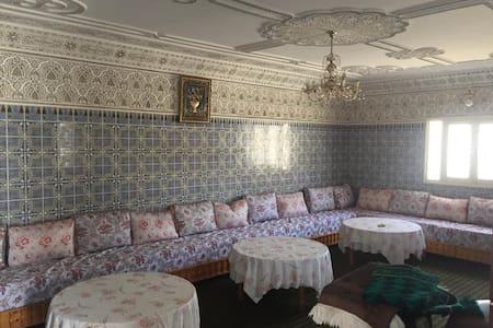 Maison trés calme à MASSA