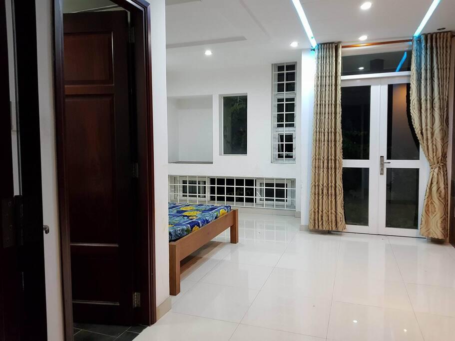 Room with balcony ( that door to the balcony)