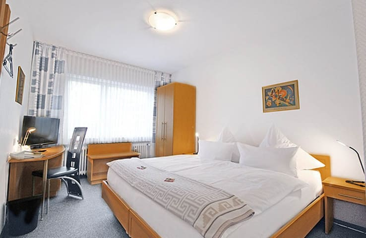 Comfortzimmer mit Frühstück & WLAN 1N