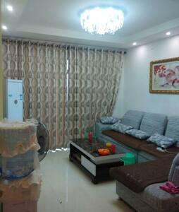 地段很好的嘉汇.龙潭精装3房,环境优雅 - Liuzhou