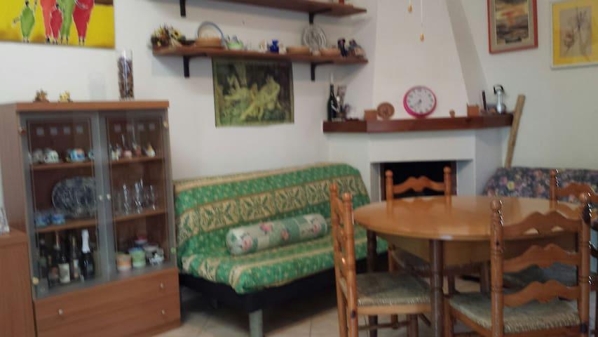 Vacanze nel meraviglioso Salento - Zona Montegrappa - Huis