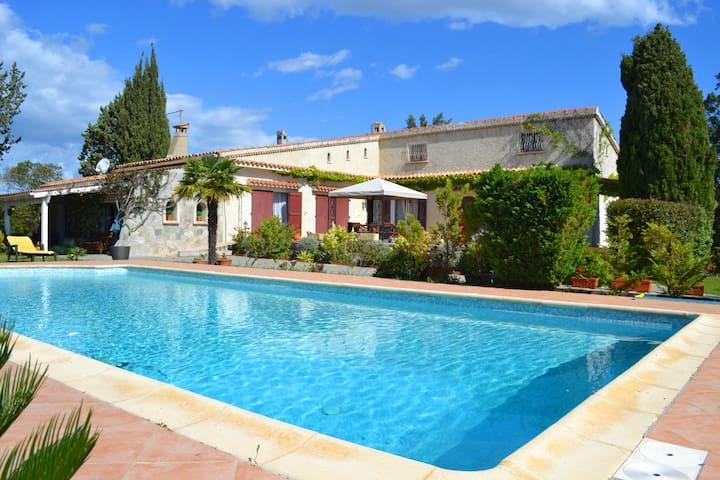 Villa Diane, Meerblick und Pool - Aléria - Huis