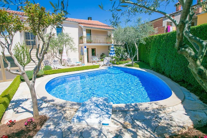 Casa Anna near Porec with swimming pool - Smolići - House
