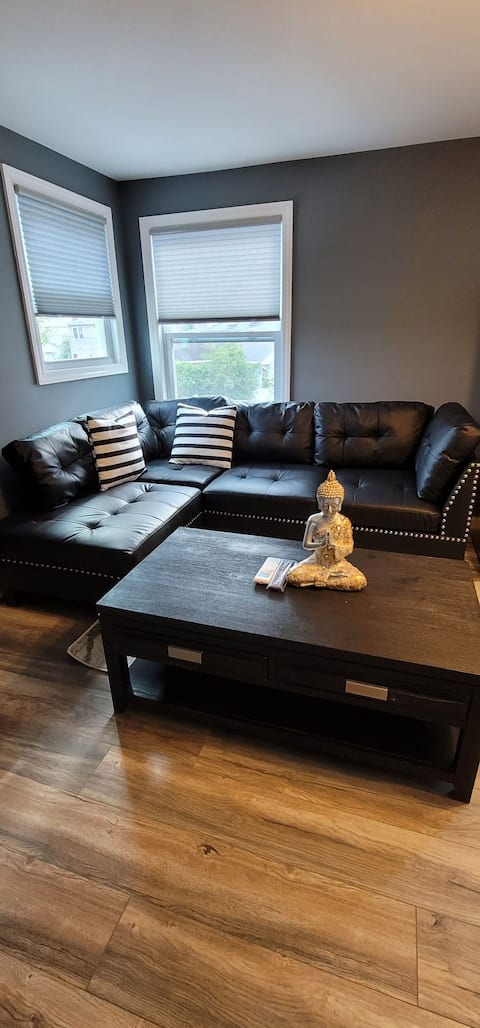 Modern & Homely Lavish Entire Rental In Bethpage