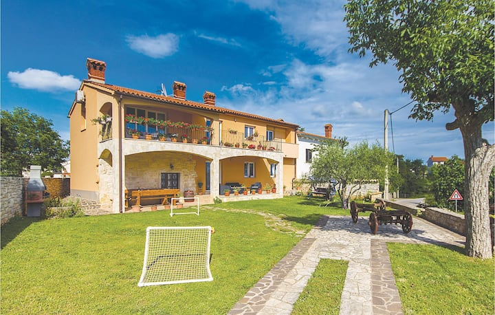 Awesome home in Orbanici with WiFi and 2 Bedrooms