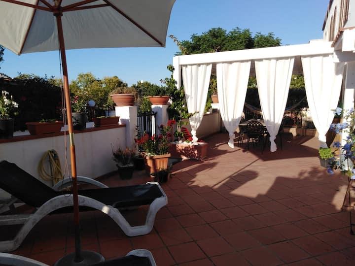 Casa con vista e ampio giardino a Peschici