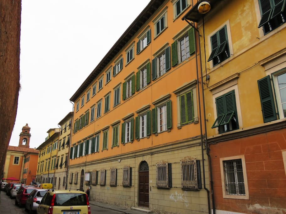 Via Santa Caterina, and the building