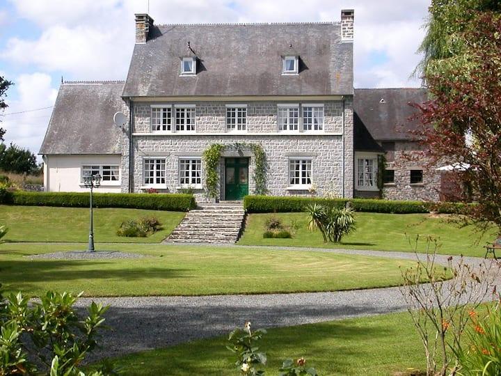 Ivy Cottage at Manoir de Saule