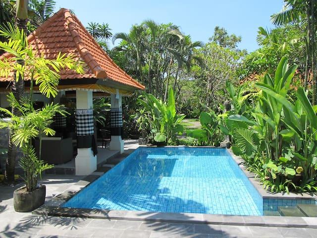 Griya Uma Laba Hotel Sanur Beach