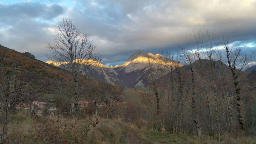 La Casita Rural en las altas montañas de León.