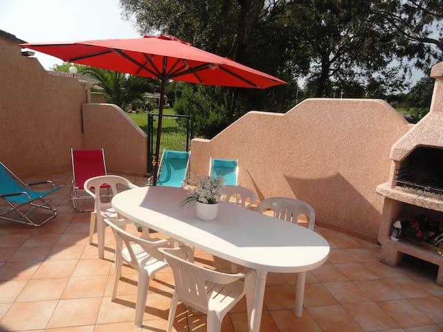 Haute Corse mini villa en bord de mer avec piscine - Santa-Maria-Poggio - 別荘