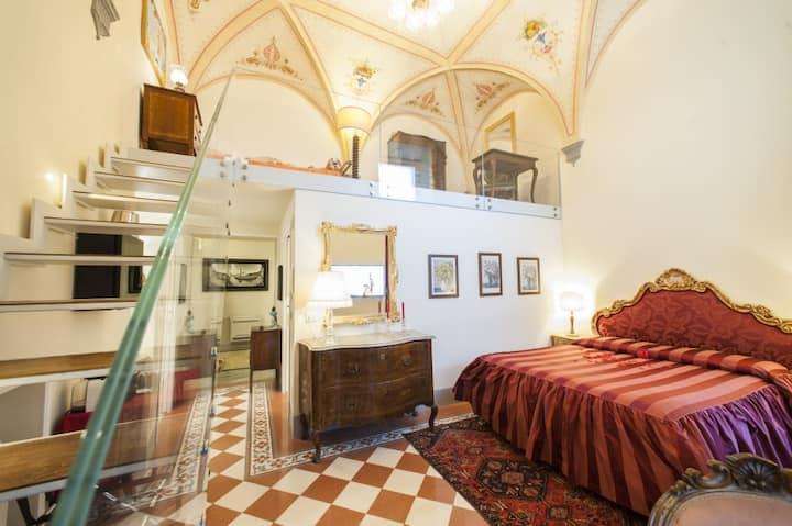 Residenza d'Epoca Palazzo Borghesi - Le Grottesche