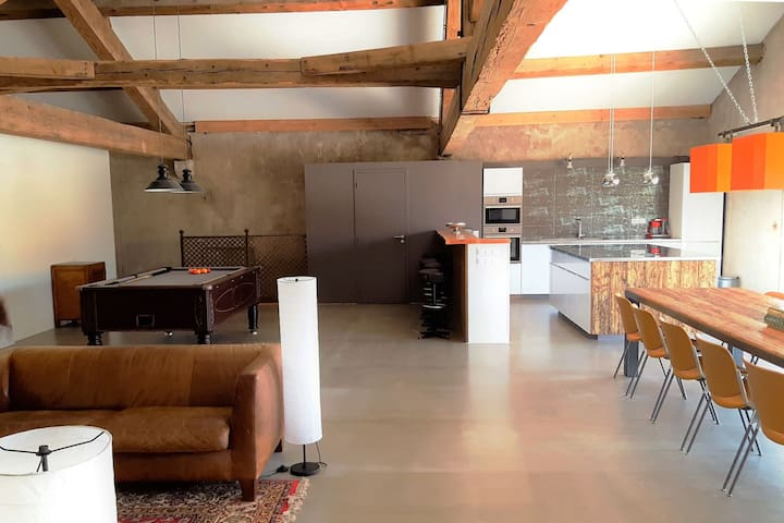 Superb air-conditioned loft for 12 with heated private pool and sauna