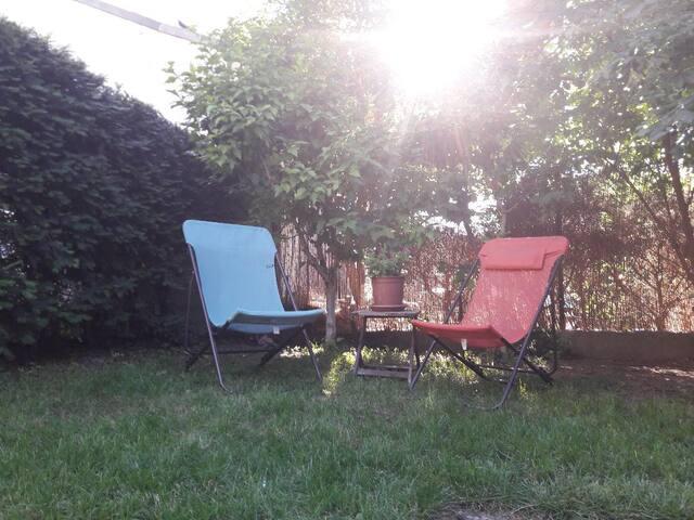 Appartement calme avec jardin (et barbecue!)