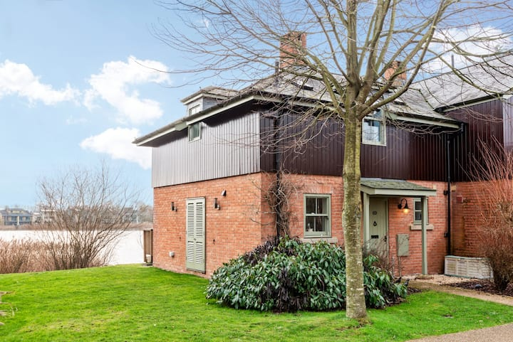Misty Lodge, Luxury Spa, Pet Friendly, Nature Reserve, Lower Mill Estate