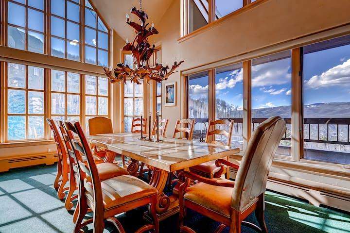 Luxury Ski-in 3 Br Penthouse Inside Pines Lodge, Sleeps 10! - 비버 크릭(Beaver Creek)