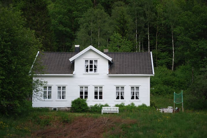 Vintage Country Farmhouse Rudjord - Lyngdal - Talo