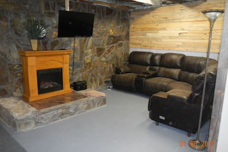 Vacation home, minutes from Deadwood!! - Lead