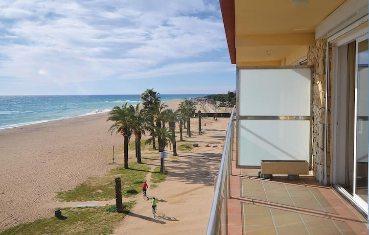 Holiday apartment with 2 bedrooms on 56 m² in Santa Susanna