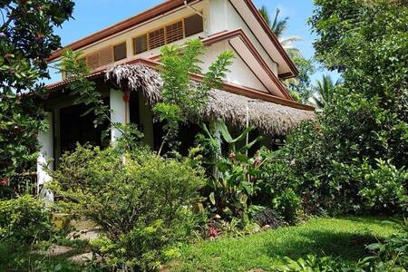 Tucked away resthouse amidst greenery - Lucban - Huis