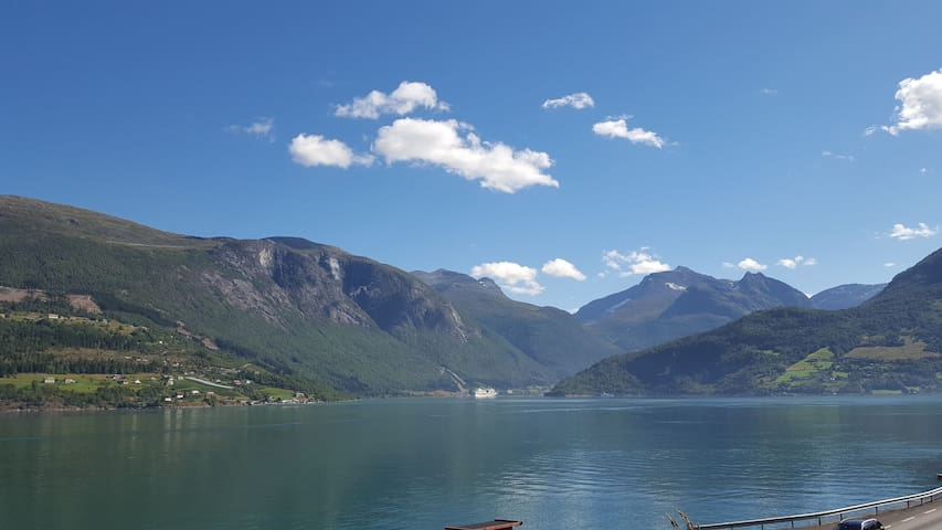 Olden by the fjords of Norway - Jekteløkjen