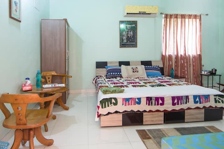 COZY ROOM WITH AC & TV  @VIMANNAGAR