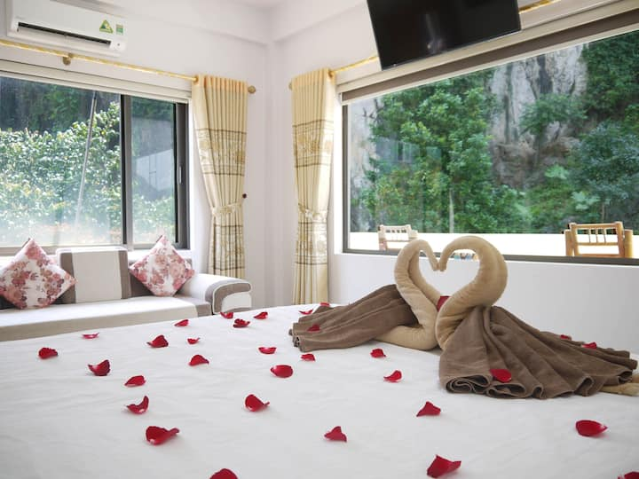 Deluxe Queen Corner Suite in Thao Nguyen Homestay