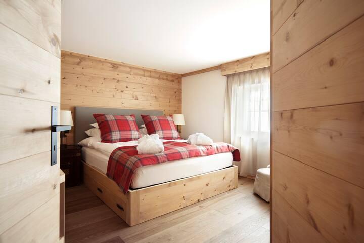 Exklusives Appartement für bis zu 16 Personen - Klosters-Serneus - House