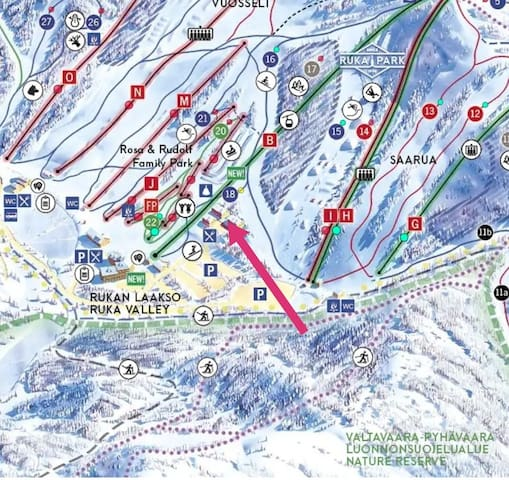 Sijainti Rukalla on huikea / It is all about the location! It is a true ski in - ski out apartment!