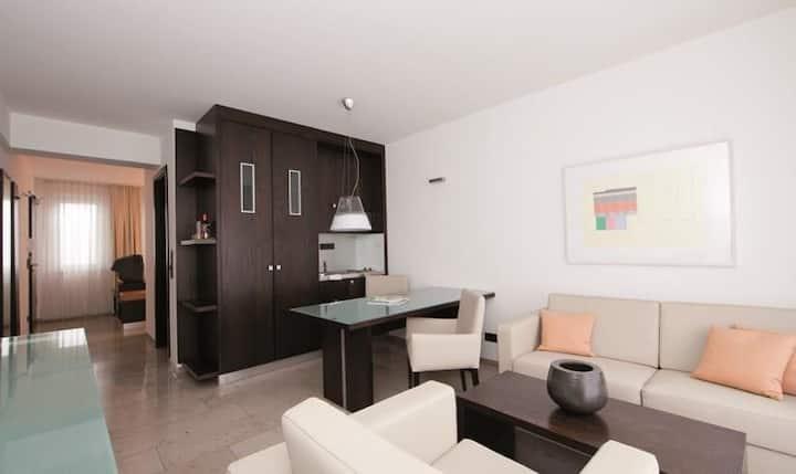 Düsseldorf  Möbliertes Apartment - City