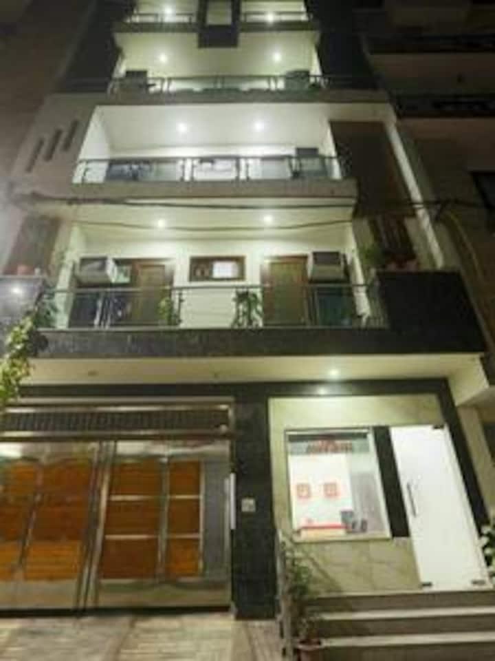 Penthouse near Airport Vasant Kunj Enclave B Block