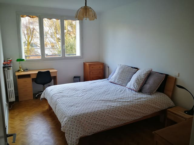 Grand 2 chambres Vincennes, 10' Paris, 30' Disney