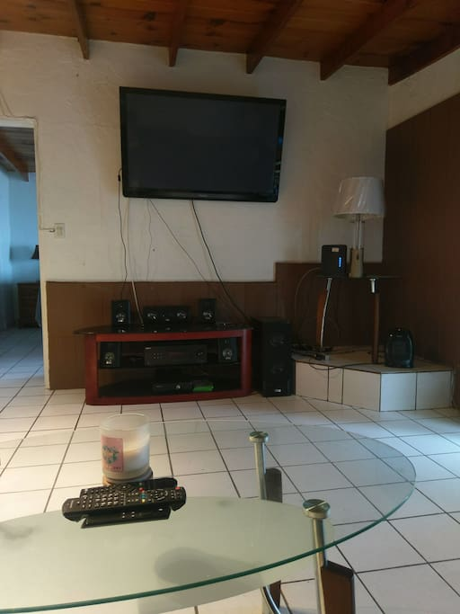 Living Room with TV (with amazon fire), Cable, sound system and WiFi