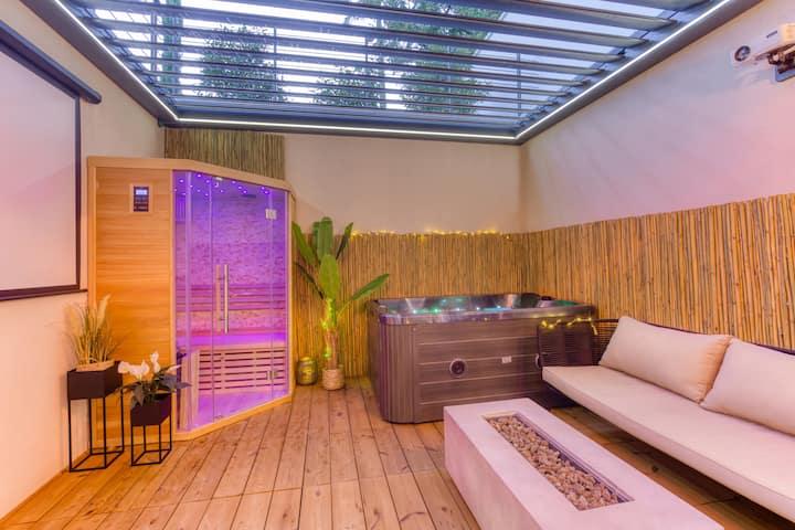 Suite Royale Jacuzzi & Sauna Privé @Yeswebook (7)
