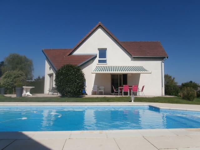 Maison contemporaine avec piscine - Magny-Vernois - Rumah