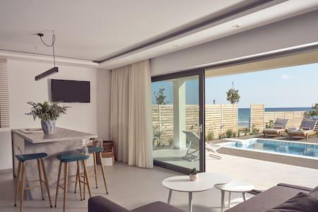 Maritimus Excelsior suites 1