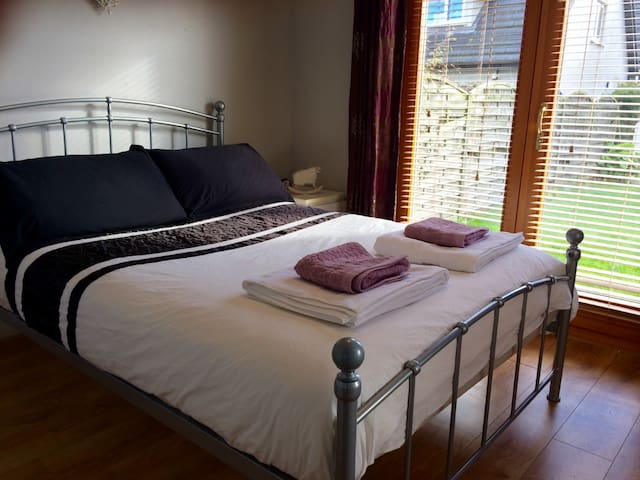 Private Chalet - Malahide Castle/Beach/Airport - Malahide
