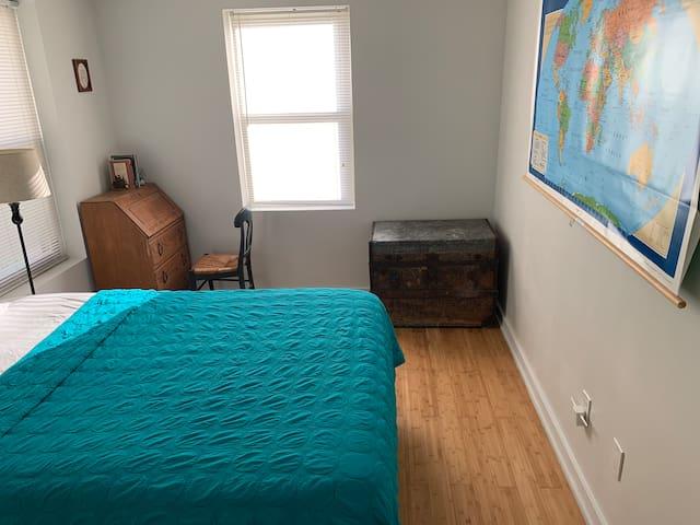 Cozy Room in Kensington with private bath