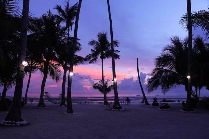 Paradise reef resort