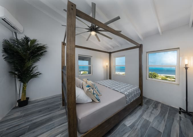 Eagle's Nest Loft @ The Lookout - Beachfront w/AC