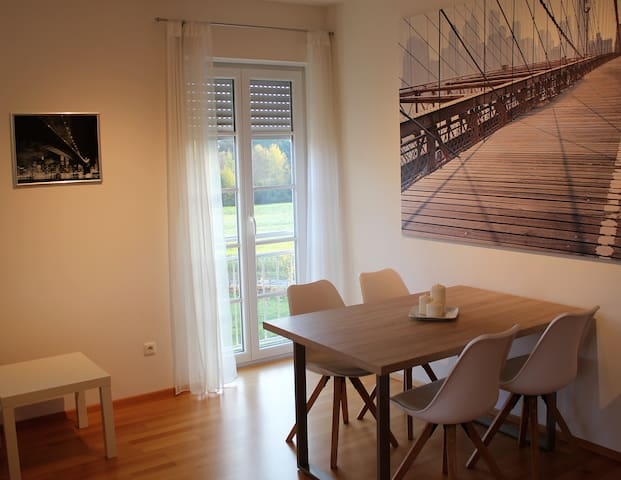 Very comfortable apartment near grafenwöhr - Freihung - Apartament