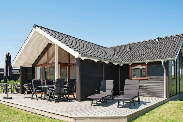Magnificient Holiday Home in Ebeltoft Denmark with Sauna