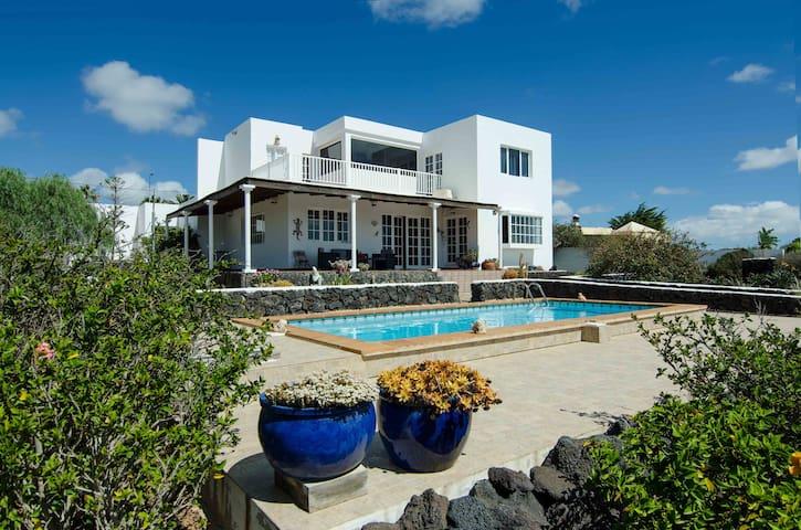 Casa Tesa, su hogar en Lanzarote - Macher - Villa